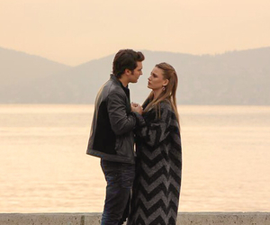 serenay sarikaya, cagatay ulusoy, and couple image