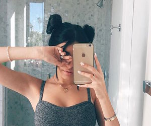 madison beer, iphone, and hair image