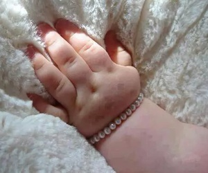 cute, baby, and hand image