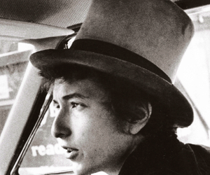 bob dylan and top hat image