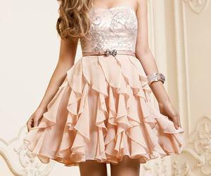 beautifull, girl, and pink image