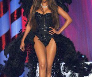 tyra banks, model, and Victoria's Secret image
