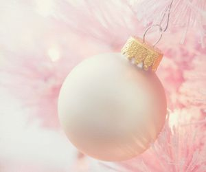 chic, holiday, and pink image