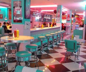 diner, 50s, and pink image