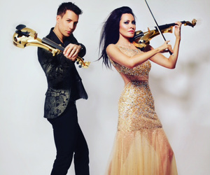violinist, linzi stoppard, and fuse violin image
