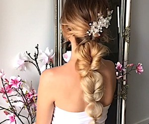 flowers, girly, and hairstyle image