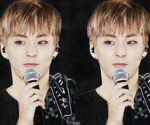 beautiful, exo-l, and boy image