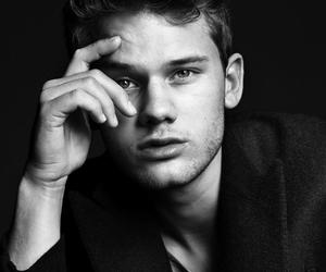 jeremy irvine, boy, and sexy image