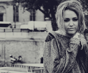 miley cyrus, miley, and black and white image