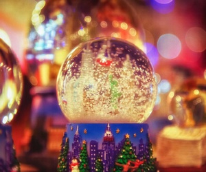 christmas, lights, and snow+globe image