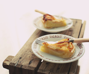 dessert, food, and pear image