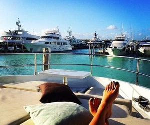 chill, yacht, and Sunny image