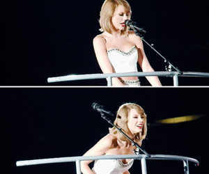 smile and Taylor Swift image