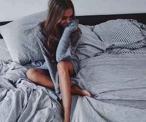 fashion, girl, and bed image