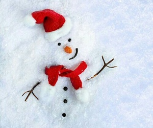 sky, snow, and snowman image