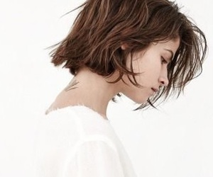 pretty and short hair image