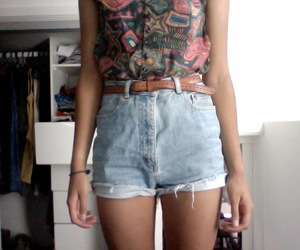 girl, outfit, and shorts image