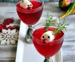 christmas, cranberry, and drinks image