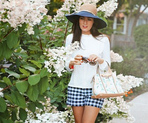 sarah vickers, blogger, and fashion image
