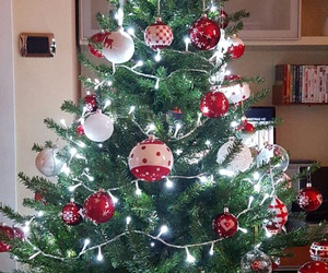 2016, christmas tree, and red and white image