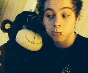 5sos, luke hemmings, and LUke image