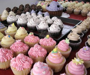 colors, cupcakes piece of cake, and cupcake image