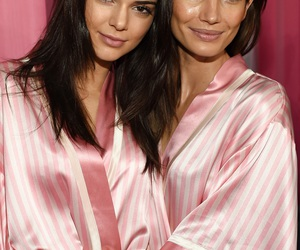 kendall jenner, Lily Aldridge, and pink image