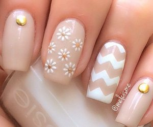 gold, manicure, and nail art image
