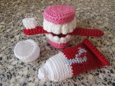 Sweet Tooth amigurumi pattern - Amigurumipatterns.net | 300x400