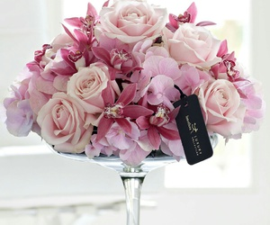 gift, luxury, and pink image