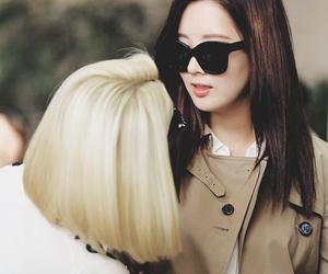 seohyun, hyoyeon, and snsd image