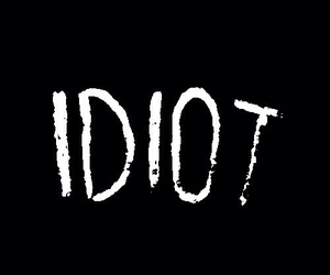 idiot, 5sos, and michael clifford image