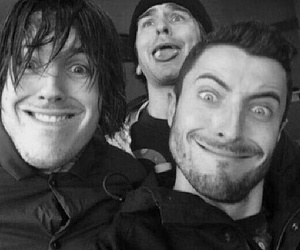 bmth, oliver sykes, and jordan fish image