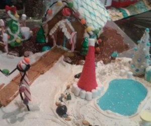 gingerbread house image