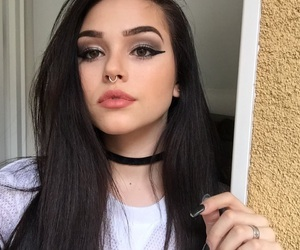 maggie lindemann, icon, and makeup image