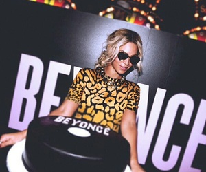 beyoncé, cake, and queen b image