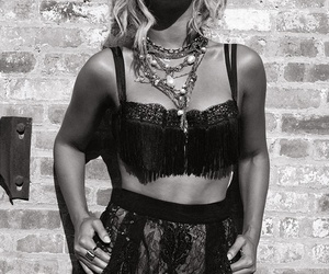beyoncé, yonce, and black and white image