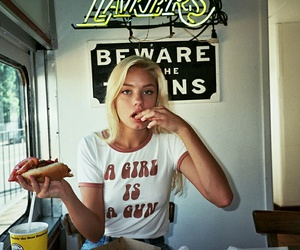 girl, blonde, and food image
