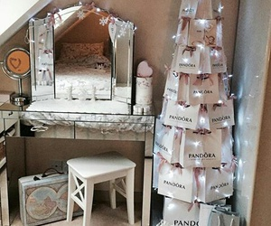 pandora, christmas tree, and home image