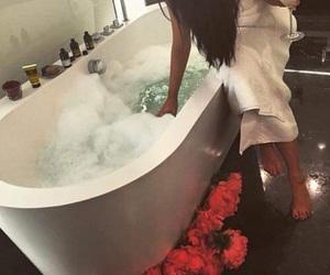 bath, luxury, and flowers image