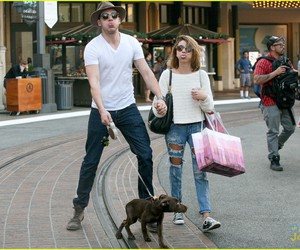 sarah hyland and dominic sherwood image