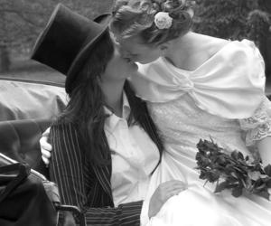 lesbian and kiss image