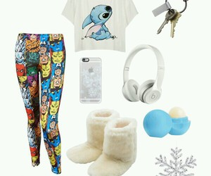 leggings, t-shirt, and clothes image