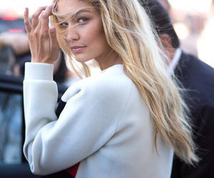 gigi hadid, model, and blonde image