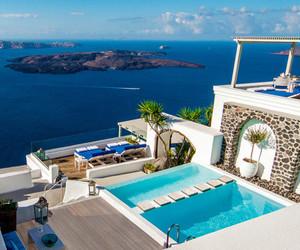 travel and luxury image