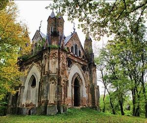 abandoned, belarus, and chapel image