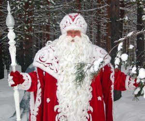 ded moroz and the russian santa image