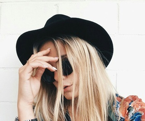 blonde, fashion, and nails image