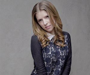 anna kendrick and pitch perfect image