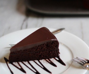 cake, chic, and delicious image